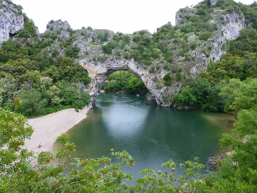 Pont d'Arc le la rivière Ardèche commune Vallon Pont d'Arc