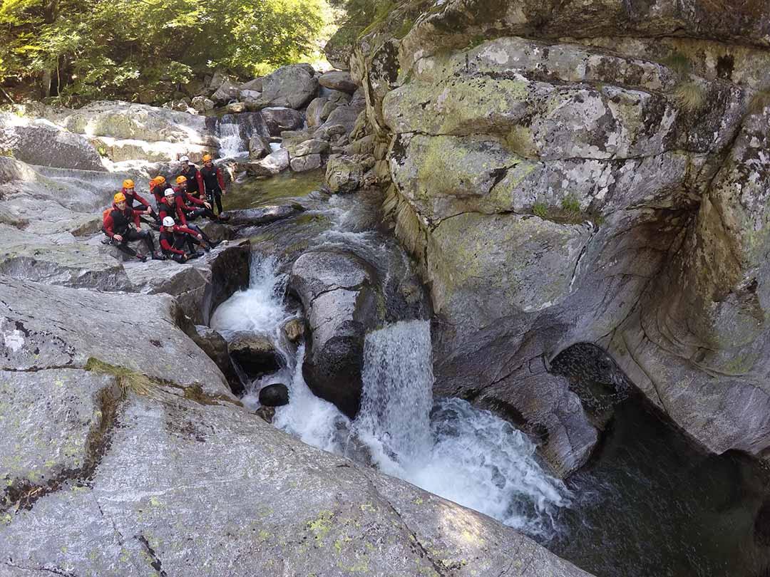 groupe à l'arrivé de la casquade de la borne canyon d'ardèche