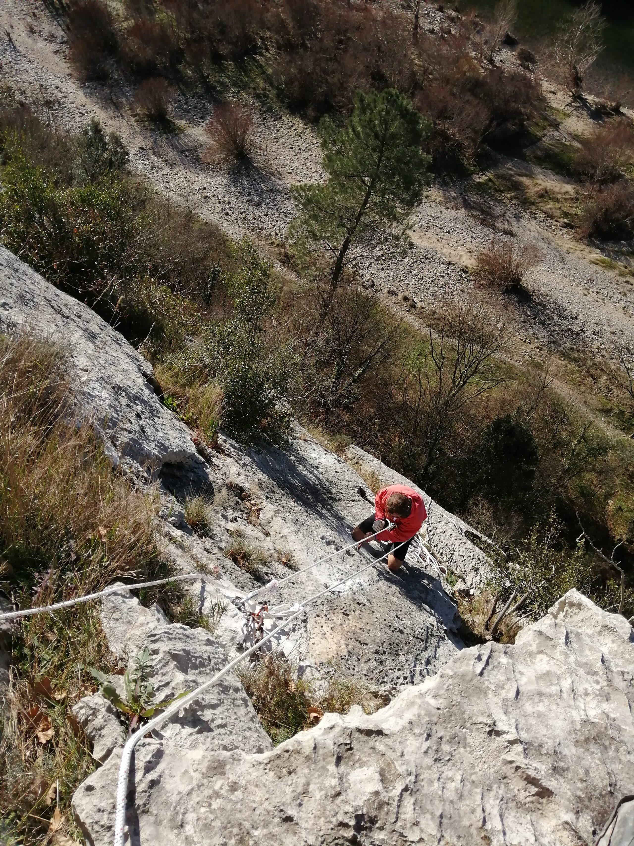 site d'escalade de mazet en Ardèche en cours de rééquipement